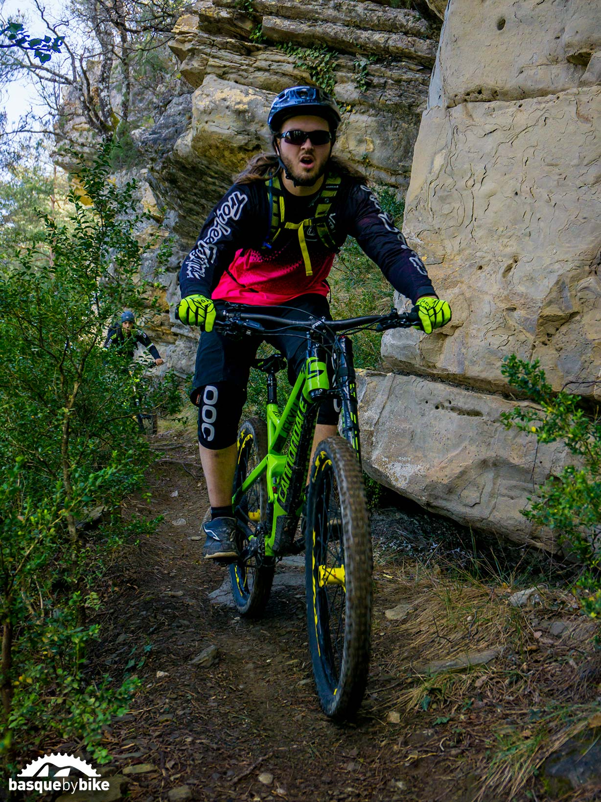 all mountain mtb trails in the pyrenees mountain bike tours in spain mtb holidays in basque. Black Bedroom Furniture Sets. Home Design Ideas