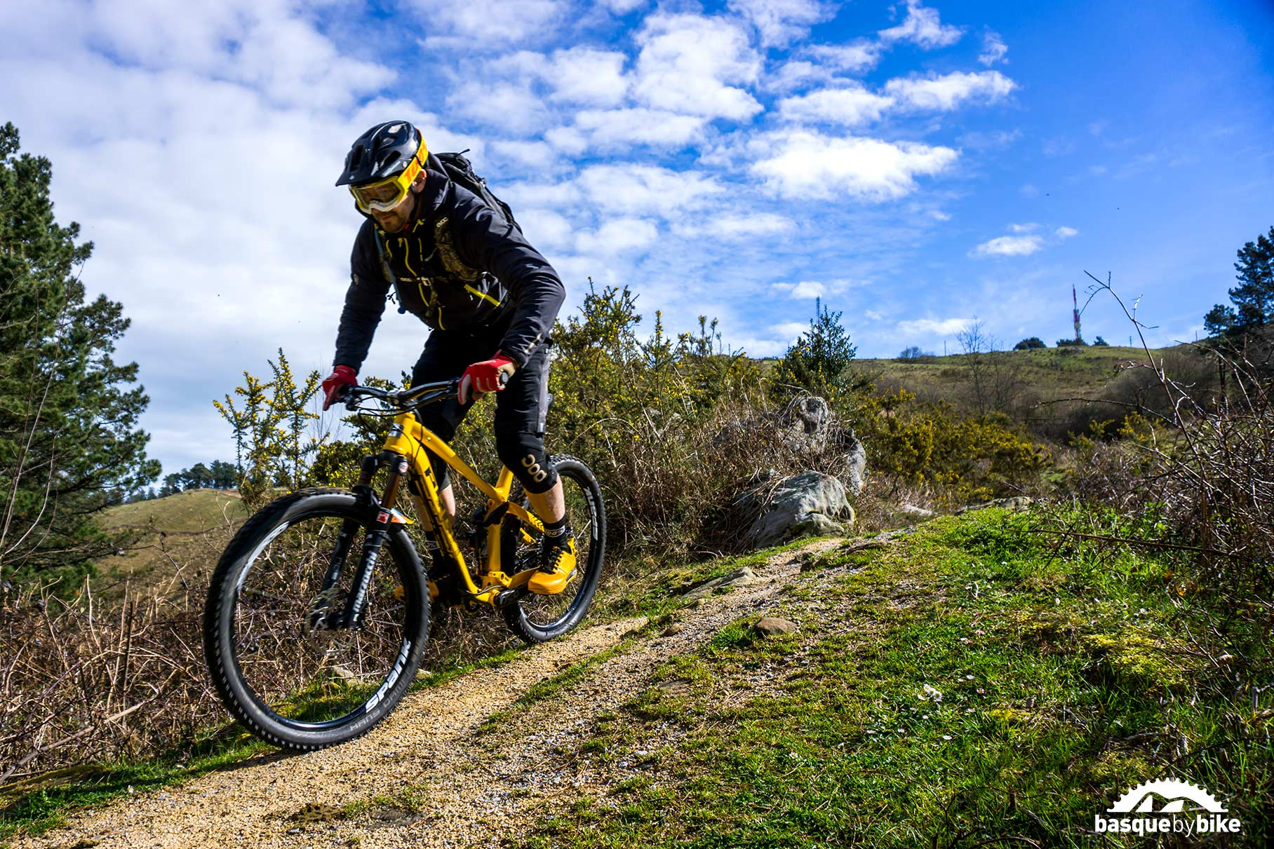 Enduro Mtb In The North Of Spain Mountain Bike Tours In Spain