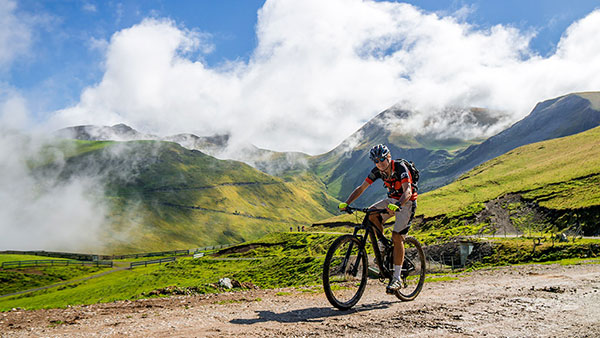 trans pyrenees mountain bike trip